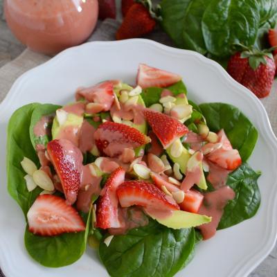 Ensalada con fresa y aguacate 1