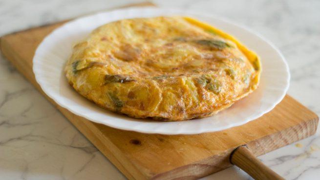 Receta de tortilla de berenjena y calabacin 1 655x368